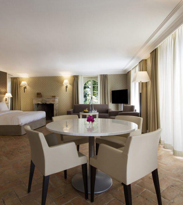 Chambre hotel business suite Bonmont