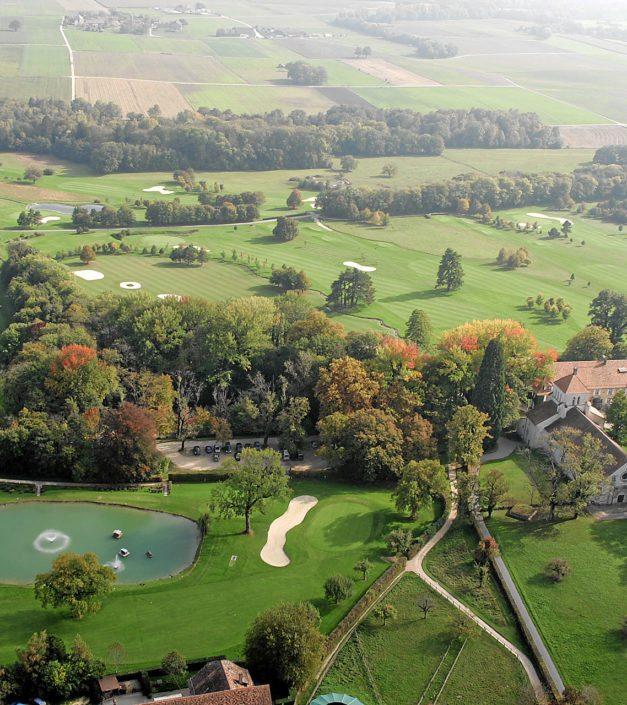 vue drone aérienne du parc Golf & Country Club de Bonmont