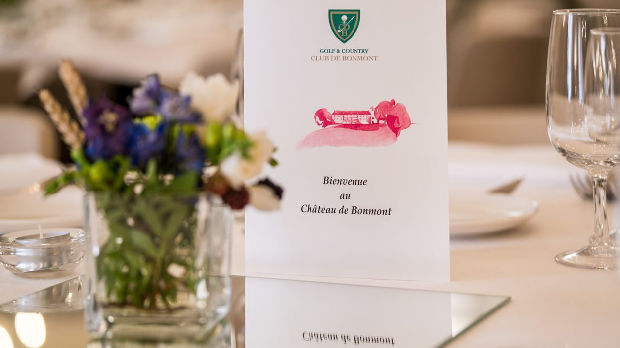 détail table banquet château de Bonmont menu