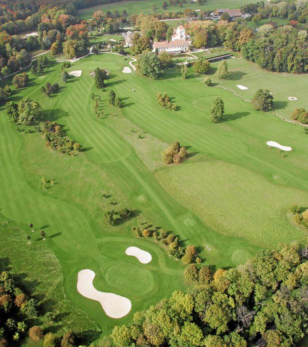 photo vue aerienne parcours golfique château de Bonmont
