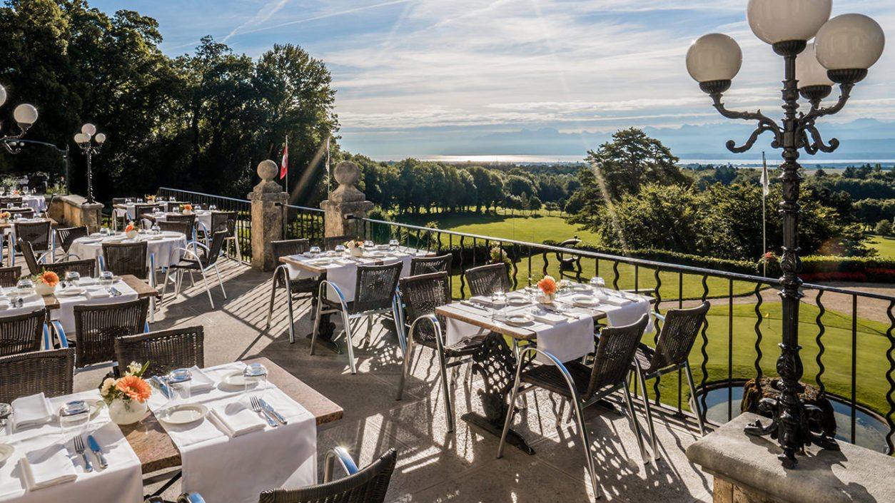 déjeuners diners terrasse restaurant Bonmont