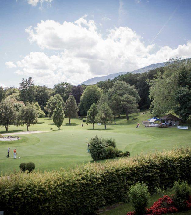 joueurs de golf domaine château de Bonmont