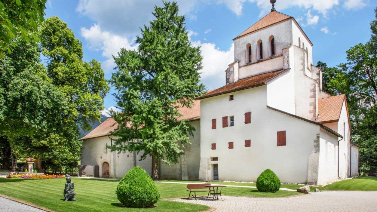 photo extérieur Abbaye de Bonmont statue