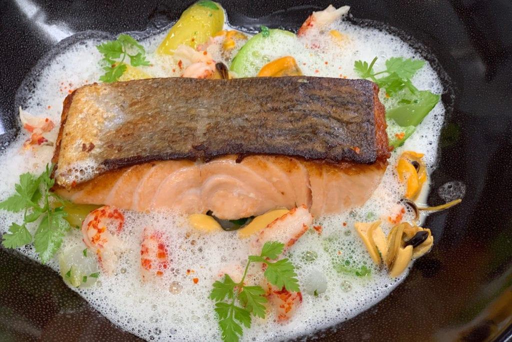 Plat du jour restaurant Gault Millau Bonmont saumon